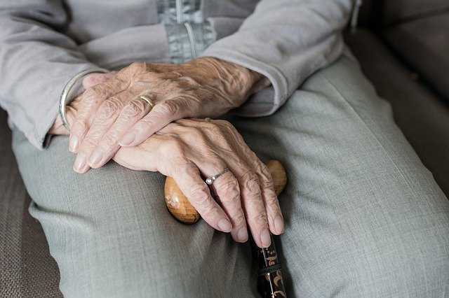 Dry Mouth in Elderly Can Have a Big Impact on Senior Health